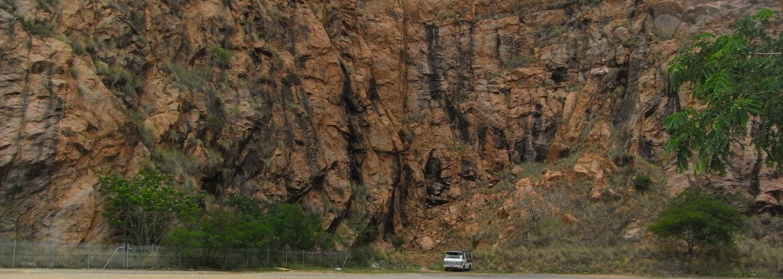 Felswand Campervan